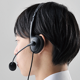 Overhead of Dual-earphone type which is hard to be tiring by long-time use