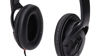 Sound insulation characteristics that adopts large-diameter 40mm driver, and is moderate
